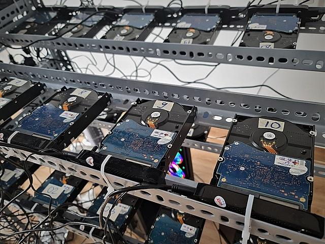 Đào được rất ít tiền nhưng người tham gia phải liên tục mua thêm ổ cứng để có không gian lưu trữ chuỗi khối.