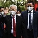 <p> Tại Hà Nội, 6h35, Tổng bí thư Nguyễn Phú Trọng có mặt tại Khu vực Bầu cử số 4 của phường Nguyễn Du (quận Hai Bà Trưng). Ảnh: <em>Hoàng Hà.</em></p>