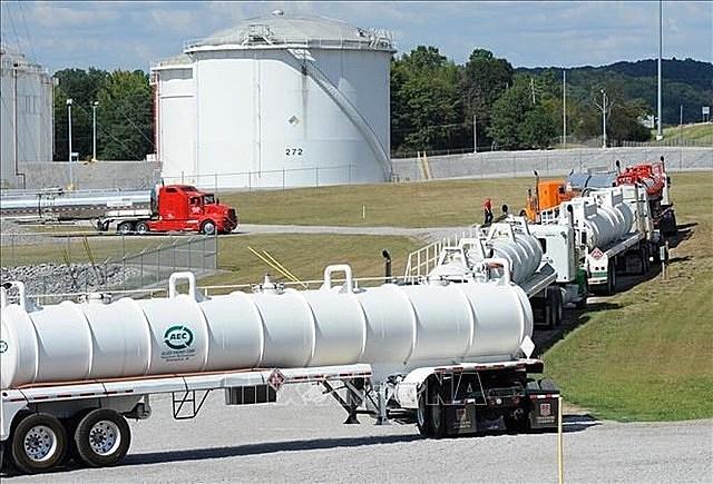 Hệ thống đường ống dẫn nhiên liệu của Công ty Colonial Pipeline ở Pelham, Alabama, Mỹ. Ảnh: AP/TTXVN