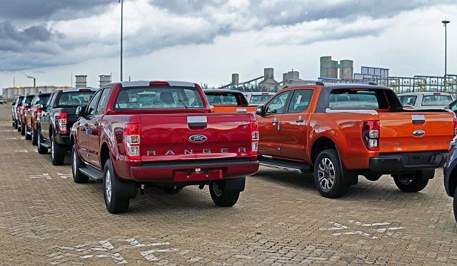 Các xe bán tải màu vàng gold, đỏ, cam, xanh da trời đều có tỷ lệ mất giá từ 30 – 32,2% sau 3 năm đầu sử dụng