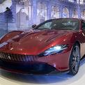 """<p class=""""Normal""""> <strong>Bộ đôi Ferrari Roma và SF90 Stradale</strong></p> <p class=""""Normal""""> Đánh dấu lần cho khách Việt đặt hàng xe mới chính hãng, Ferrari Việt Nam ra mắt bộ đôi Roma và SF90 Stradale với mức giá lần lượt từ 900.000 USD và 1,5 triệu USD.</p> <p class=""""Normal""""> Roma đại diện cho phong cách thanh lịch kiểu Italy. Động cơ 3,9 lít V8 công suất 620 mã lực của Roma cùng các công nghệ bổ trợ cho phép chủ sở hữu trải nghiệm tốc độ như một mẫu siêu xe. (Ảnh: <em>Thành Nhạn</em>)</p>"""
