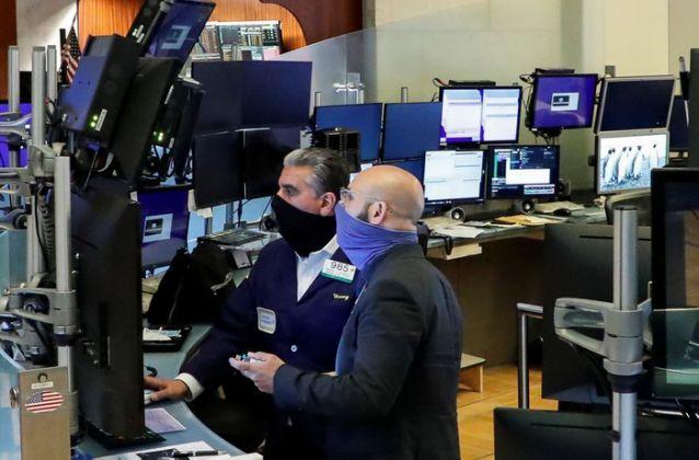 Lợi suất trái phiếu chính phủ Mỹ chạm đáy hai tuần, Phố Wall tăng điểm