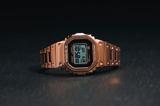 Đồng hồ Full Metal màu vàng hồng đầu tiên của G-SHOCK