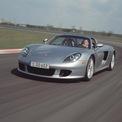 """<p class=""""Normal""""> <strong>Porsche Carrera GT</strong></p> <p class=""""Normal""""> Porsche Carrera GT ban đầu được hình thành với động cơ 6 xi-lanh tăng áp. Tuy nhiên, nó đã được thiết kế lại để sử dụng động cơ V10 huyền thoại hiện nay có nguồn gốc từ chương trình Porsche LMP2000 đã bị hủy bỏ. Vì vậy đây là siêu xe thể thao có nguồn gốc từ một chiếc Porsche V10 được chế tạo cho đội đua công thức một.<br /> </p> <p class=""""Normal""""> Ý tưởng ban đầu của Carrera GT sử dụng phiên bản 5,5L của V10, nhưng nó đã được mở rộng lên 5,7L và tạo ra công suất 603 mã lực vào thời điểm được sản xuất. Carrera GT có thể chạy nước rút đến 96,5 km/h trong 3,5 giây, 209 km/h trong 8 giây.</p>"""