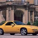 """<p class=""""Normal""""> <strong>Porsche 928</strong></p> <p class=""""Normal""""> Porsche đã cố gắng bắt đầu thay thế 911 vào năm 1977 bằng cách sản xuất chiếc grand tourer hạng sang trang bị động cơ V8 đặt động cơ trước. Đây là động cơ V8 sản xuất đầu tiên của Porsche có thiết kế trục cam đơn với dung tích 4,5L. Nó tạo ra 219 mã lực ở các mẫu xe tại thị trường Mỹ và 237 mã lực ở những nơi khác.</p> <p class=""""Normal""""> Vào thời điểm hoàn thành sản xuất vào năm 1995, phiên bản lớn nhất của động cơ M28 là 5,4L, công suất 345 mã lực với mô-men xoắn 369 lb-ft. Tuy nhiên, chiếc 928 nhanh nhất có tên """"Rekordwagen."""" Nó được chế tạo bởi 928 Motorsports, LLC, tạo ra công suất 900 mã lực từ động cơ V8 6,54L. Rekordwagen được chế tạo cho nỗ lực lập kỷ lục tốc độ với thành tích khoảng 348 km/h tại Bonneville Salt Flats.</p>"""
