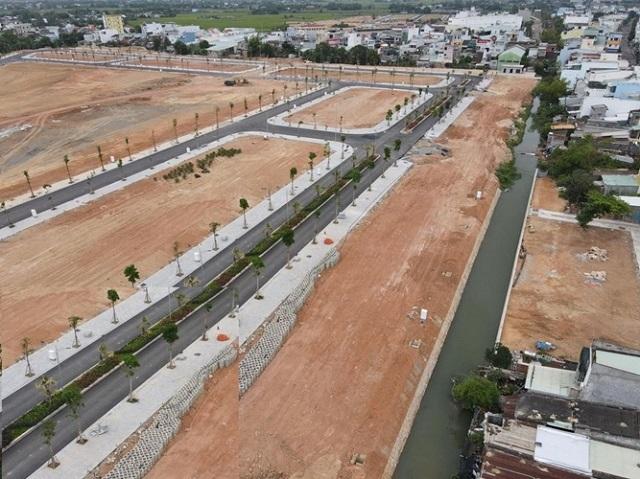 Bình Định kiến nghị Bộ Xây dựng cho phép chuyển quyền sử dụng đất khi dự án chưa hoàn thành 100% hạ tầng kỹ thuật