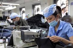Mỹ, châu Âu dỡ phong tỏa, hàng dệt may Việt Nam chớp 'thời cơ vàng'