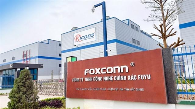 Hai công ty sản xuất linh kiện cho Foxconn được hoạt động trở lại
