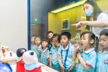 Trung Quốc có bước ngoặt chính sách, cho phép sinh con thứ 3