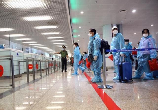 Chuyến bay quốc tế được nhập cảnh bình thường ở sân bay Nội Bài, Tân Sơn Nhất