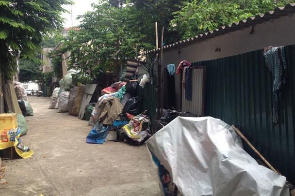 """Dự án Khu nhà ở văn phòng làm việc tại khu vực hồ An Dương """"treo"""" hơn 30 năm khiến nhiều hộ dân không được cải tạo, xây dựng vì nằm trong diện quy hoạch của dự án."""