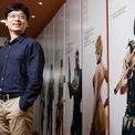 """<p class=""""Normal""""> <strong>5. Kwon Hyuk-bin</strong></p> <p class=""""Normal""""> Tài sản: 9,5 tỷ USD</p> <p class=""""Normal""""> Tăng/giảm so với 2020: 5,5 tỷ USD</p> <p class=""""Normal""""> Nguồn tài sản: Trò chơi trực tuyến, Smilegate Holdings</p> <p class=""""Normal""""> Kwon Hyuk-bin đồng sáng lập Smilegate vào năm 2002 và xây dựng nó thành một trong những công ty game thành công nhất ở Hàn Quốc. Sau khi hợp tác với gã khổng lồ Internet Trung Quốc Tencent vào năm 2008, hãng phát hành tựa game nổi tiếng nhất của mình, CrossFire. Ảnh: <em>Forbes.</em></p>"""
