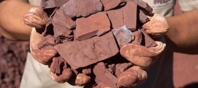 Doanh nghiệp thép Ấn Độ 'khóc ròng' vì quặng sắt trong nước thiếu nhưng xuất khẩu ồ ạt