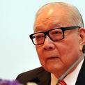 """<p class=""""Normal""""> <strong>5. Teh Hong Piow</strong></p> <p class=""""Normal""""> Tài sản: 5,5 tỷ USD</p> <p class=""""Normal""""> Lĩnh vực kinh doanh: Ngân hàng</p> <p class=""""Normal""""> Teh Hong Piow là người sáng lập và nhiều năm liền giữ chức chủ tịch của ngân hàng Public Bank Malaysia. Theo <em>Forbes</em>, ông Teh nắm một số cổ phần đáng kể của ngân hàng này cũng như cổ phần tại doanh nghiệp bảo hiểm LPI Capital. (Ảnh: <em>CNW</em>)</p>"""