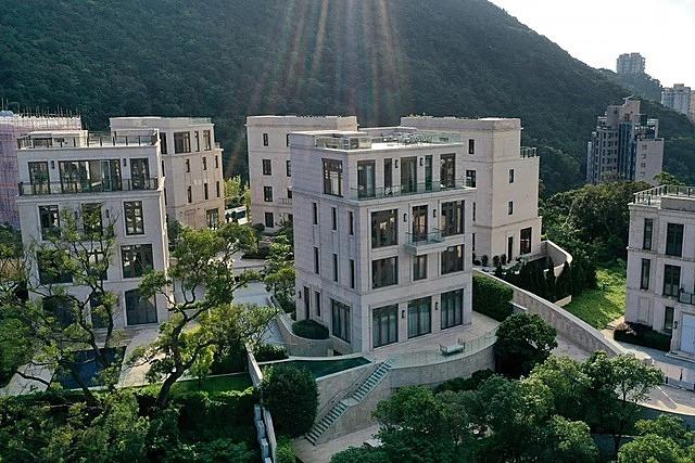Một góc khu căn hộ cao cấp Mount Nicholson. Ảnh: Martin Chan.