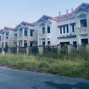 Đánh thuế thật cao với biệt thự bỏ hoang?
