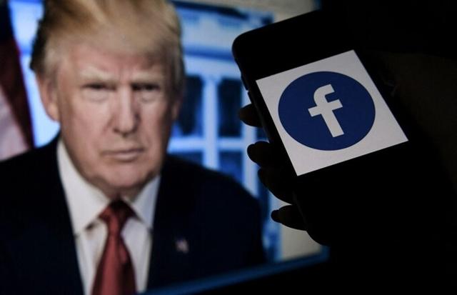 Facebook cấm Trump hai năm