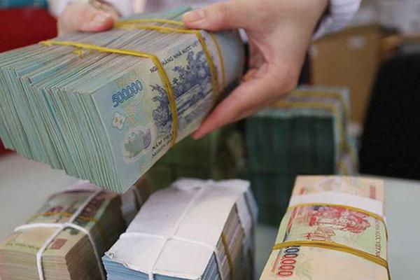 Lãi suất huy động kém hấp dẫn, ngân hàng tính kế hút khách gửi tiền trở lại