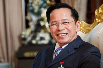 Ông chủ Golf Long Thành góp 500 tỷ cho quỹ vaccine: 'Ông trùm' sân golf và đại gia mới trong lĩnh vực điện mặt trời