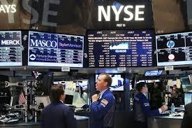 Phố Wall trái chiều, nhà đầu tư chờ có thêm xúc tác