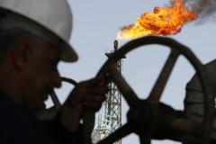 Nguồn cung từ Iran khó trở lại, giá dầu tăng