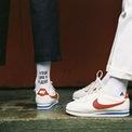 """<p> Nguồn gốc của <strong>Nike Cortez</strong> bắt nguồn từ khi Bill Bowerman và Phil Knight vẫn còn làm việc cho Onitsuka Tiger. Họ đã tung ra đôi giày cho Thế vận hội Olympic ở Mexico. Họ đổi tên giày thành """"Mexico"""" để nó được biết đến nhiều hơn tại thị trường này. Thiết kế đã gặt hái thành công nhưng không đáng kể. Ảnh: We Heart It.</p>"""