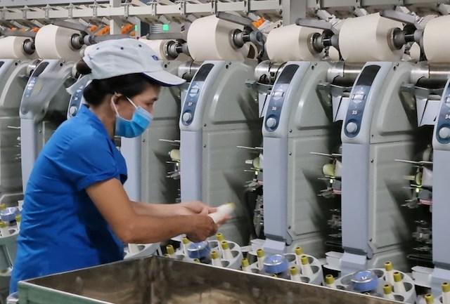 TP HCM: Đề xuất chi hơn 1.000 tỷ đồng hỗ trợ lao động và doanh nghiệp bị ảnh hưởng bởi dịch Covid-19