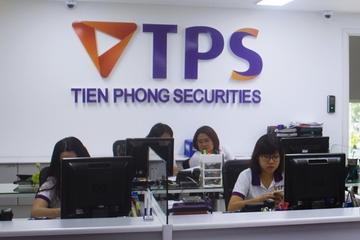Chứng khoán Tiên Phong chốt quyền chào bán 100 triệu cổ phiếu