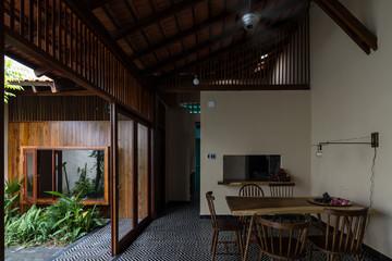 Ngôi nhà giản dị, khác biệt trên mảnh đất hẹp ngang ở Đồng Tháp