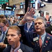 Nhà đầu tư chờ báo cáo lạm phát, Phố Wall giảm
