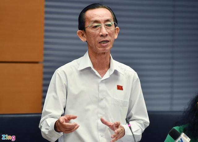ông Trần Hoàng Ngân (Viện trưởng Viện Nghiên cứu Phát triển TP HCM.
