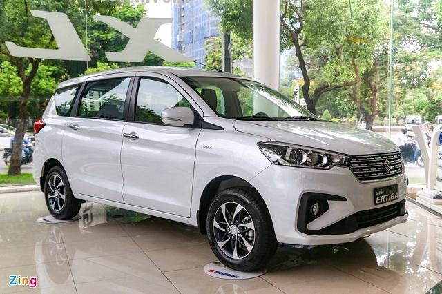 Một số ôtô nhập khẩu được giảm giá tới cả trăm triệu đồng
