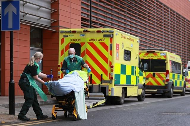 Số ca mắc Covid-19 ở Anh đang gia tăng nhanh chóng. 91% bệnh nhân mới nhiễm biến chủng Delta. Ảnh: Reuters.