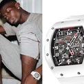 """<p class=""""Normal""""> <strong>Paul Pogba: Richard Mille RM30 White Rush</strong></p> <p class=""""Normal""""> Giống như nhiều ngôi sao bóng đá khác, cầu thủ sinh năm 1993 cũng sở hữu nhiều siêu xe và đồng hồ đắt tiền. Pogba từng đeo chiếc Richard Mille RM30 White Rush có giá gần 140.000 USD. Ảnh:<em> Pinterest.</em></p>"""