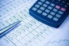 Lãnh đạo HDG và PNJ bị phạt do đồng thời mua bán cổ phiếu trong thời gian đăng ký giao dịch
