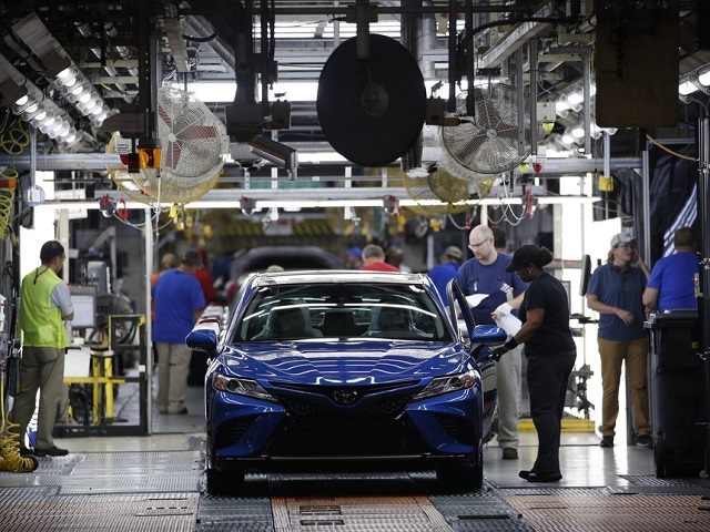 Trong một nhà máy ôtô ở Kentury, Mỹ. Ảnh: Bloomberg.