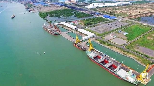 Sóng ngầm giằng co tại Cảng tổng hợp Container Cái Mép Hạ