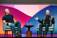 Chân dung Mark Bezos - người em trai sắp cùng ông chủ Amazon bay vào vũ trụ