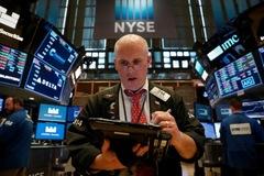 Phố Wall giảm, nhà đầu tư chờ kết quả Fed họp