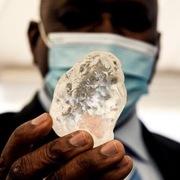 Đào được viên kim cương to thứ 3 thế giới
