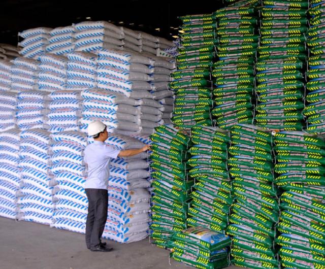 Bộ Công Thương: Giá phân bón tiếp tục leo cao từ giờ đến cuối năm