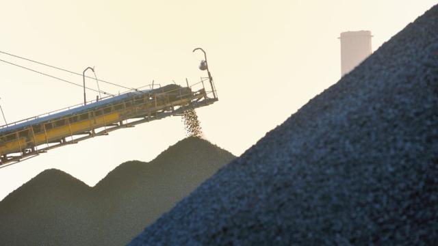 Giá quặng sắt giảm vì 'ông lớn' Australia, Brazil tăng xuất khẩu