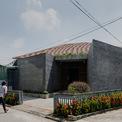 <p> Sự vươn lên mạnh mẽ và giá trị trường tồn của một làng nghề truyền thống Việt Nam trong bối cảnh xã hội hiện đại là ý tưởng mà Hinzstudio muốn gửi gắm qua dự án này.</p>