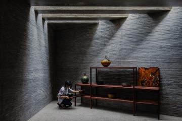 Ngôi nhà trưng bày hàng thủ công mỹ nghệ với những nét chấm phá riêng