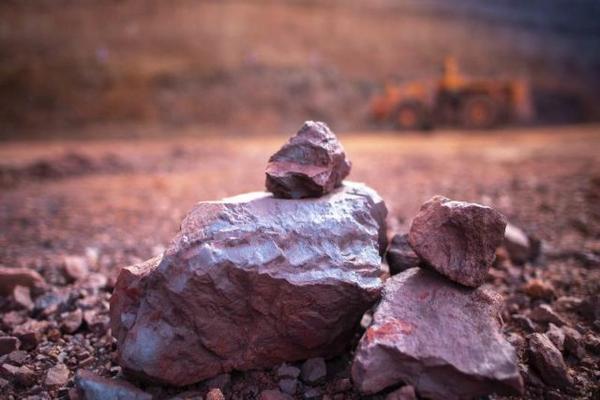 Giá quặng sắt tăng vì chính sách mới của Trung Quốc