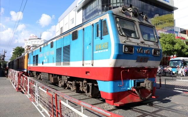 Đường sắt nối sân bay Tân Sơn Nhất - Long Thành có lãng phí?