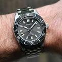 <p> Lấy cảm hứng từ các mẫu đồng hồ lặn, SPB143 mang đến cho người dùng sự tiện lợi. Thiết kế mặt số 40,5 mm cùng lớp vỏ bằng thép. Mẫu đồng hồ có khả năng chống nước 200 m. Ảnh: <em>Horlogeforum.</em></p>