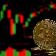 Bitcoin hướng về 30.000 USD, dấy lên lo ngại bị bán tháo