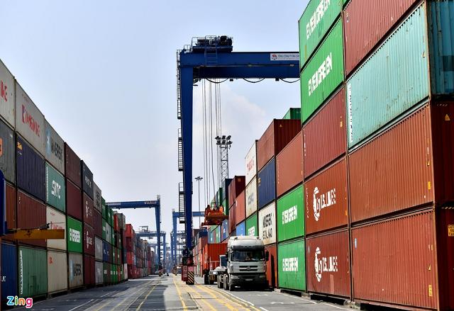 Doanh nghiệp lo lắng việc TP HCM sắp thu phí cảng biển.