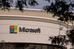 Microsoft gia nhập 'câu lạc bộ' 2.000 tỷ USD cùng với Apple, Saudi Aramco